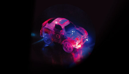 Magic Traxx Racebaan 223-delig, glow in the dark met rode auto